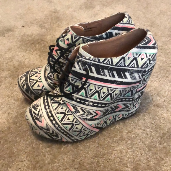 9d4e22bc021 Colorful Wedge Booties. M 5b4b7598e944ba15958654f5